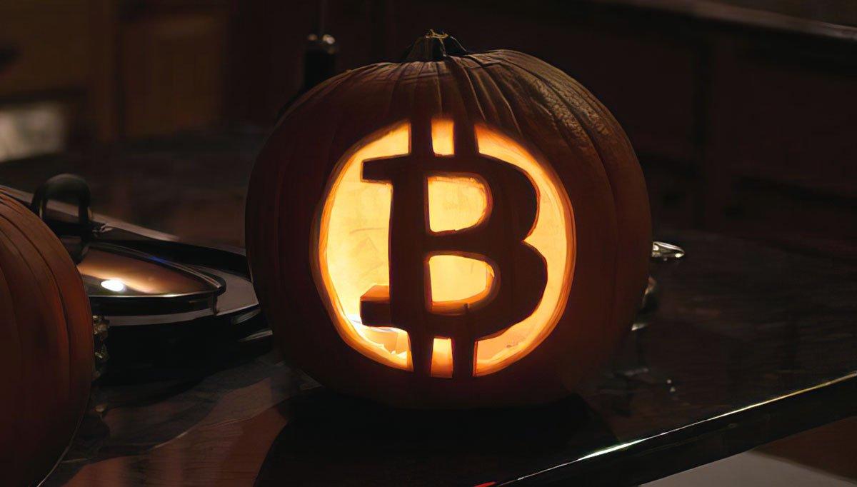 Канадец на Хэллоуин раздавал детям биткоины